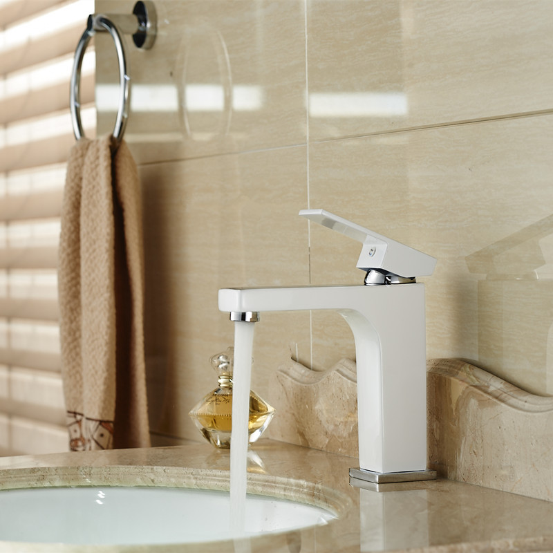 Здесь можно купить  Copper Basin Faucet Stylish White Paint Hot and Cold Single-hole Sink Basin Faucet Bathroom Faucet RE-8  Строительство и Недвижимость