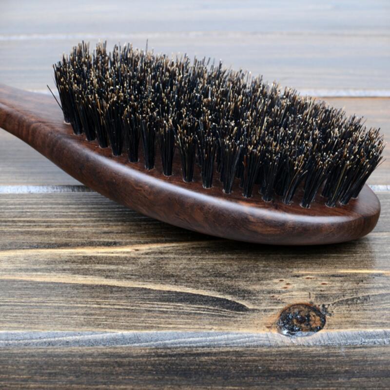 Купить с кэшбэком Natural Sandalwood Fine Comb Anti-Static Care Brush Head Natural Wild Boar Bristles Hair Brush Green Sandalwood Hair G0312