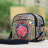 2017 New Floral Embroidery Women Handbags Hot Embroidery Double Layers Handbags National Versatile Lady Canvas Shopping