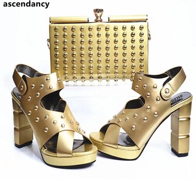 e0aefe667 Cor de ouro Da Moda Rebite Sapatos e Bolsas para Combinar Africano Festa de  Casamento Das