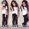 Tendência Europa style design Especial conjuntos de roupas meninas moda letras brancas T-shirt + buraco calças 2 PCS meninas roupas crianças