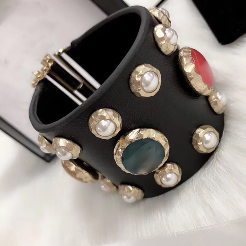 7Sanyu 2019 hot brand fashion party jewelry ladies C retro noble design bracelet party jewelry ladies