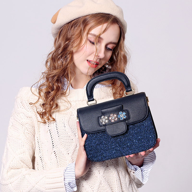 female bag 2017 Korean version of the new fashion Satchel Tote Bag sequins bangalor personality higher quality heavy blue color mshg alligator skin new female bag korean version of the trend of hand painted handbags european and american fashion middle age