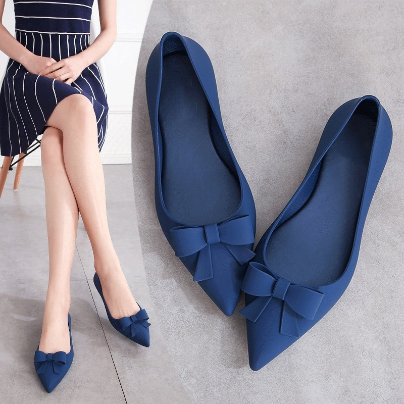 EOEODOIT 2019 Summer Jelly Flats Women Beach Sand Soft Pointy Toe Flat Heel Sandals Women Rain Shoes Bowknot Slide Resistance(China)