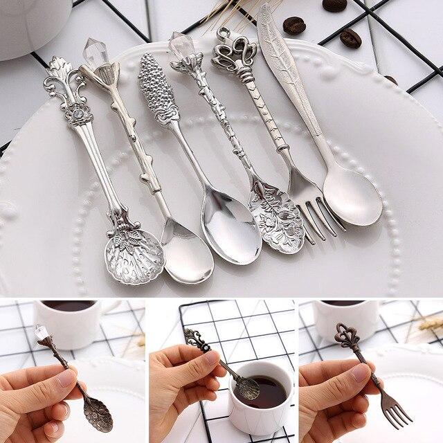 6 uds cucharas Vintage tenedor Mini estilo real Metal dorado tallado café aperitivos fruta Prikkers postre tenedor cocina herramienta cucharilla 1 Juego
