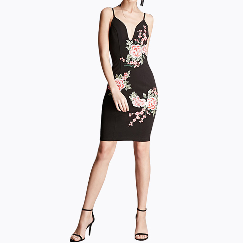 Summer new hot 2017 European and American street style playful fashion elegant unique charm embroidery Slim hang belt dress