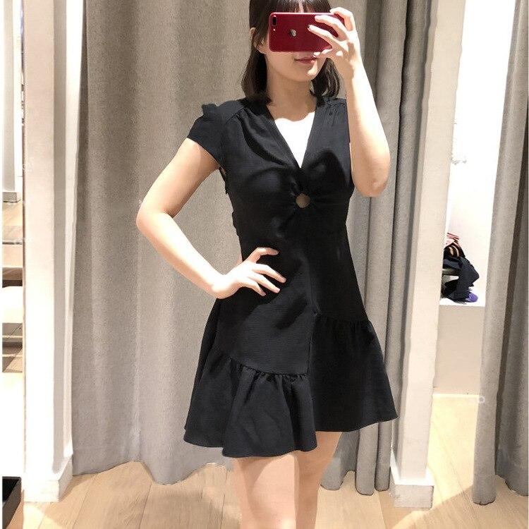 2019 New Short sleeved V Collar Pleated Linen Edge Thin Women's Dress V Neck Knee Length Hollow Out Straight Black Dress Women