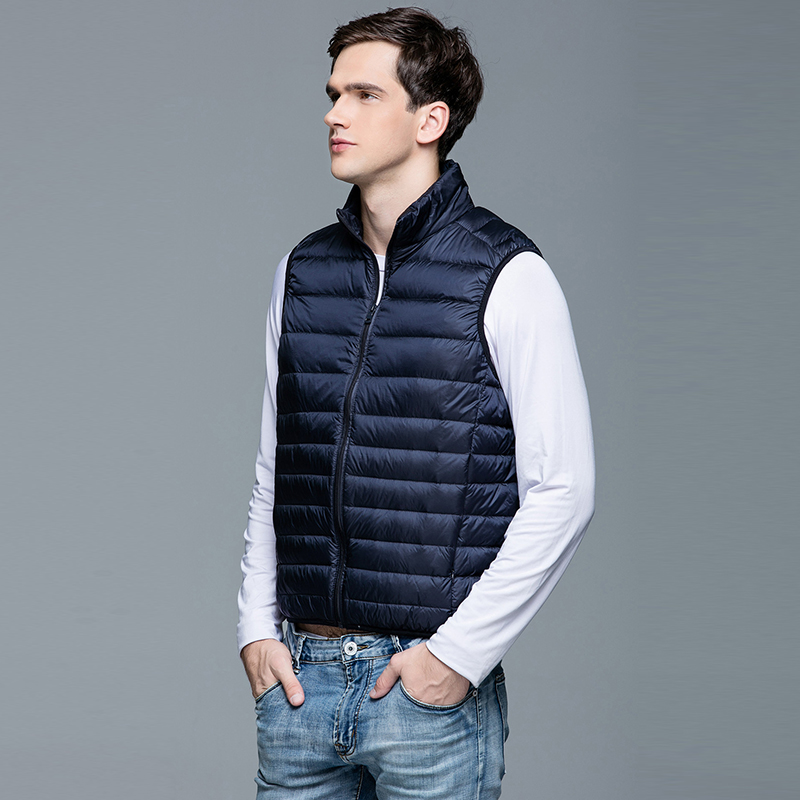 2019 Winter Fashion Brand Ultra Light Sleeveless Duck Down Jackets Men Vest Streetwear Feather Coats Packable Warm Men Clothes