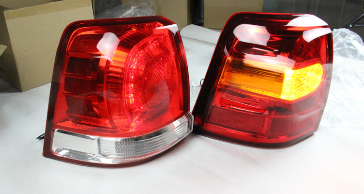 For Toyota Land Cruiser LC200 Fj200 LED Taillight +Turn Signal Lamp Assembly Modification 2008 - 2015 Year
