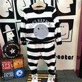 Дети мальчики комплект одежды детская мода полосатый отпечатано о-образным вырезом с длинным рукавом футболка и брюки дети осень весна экипировка и пиджаки