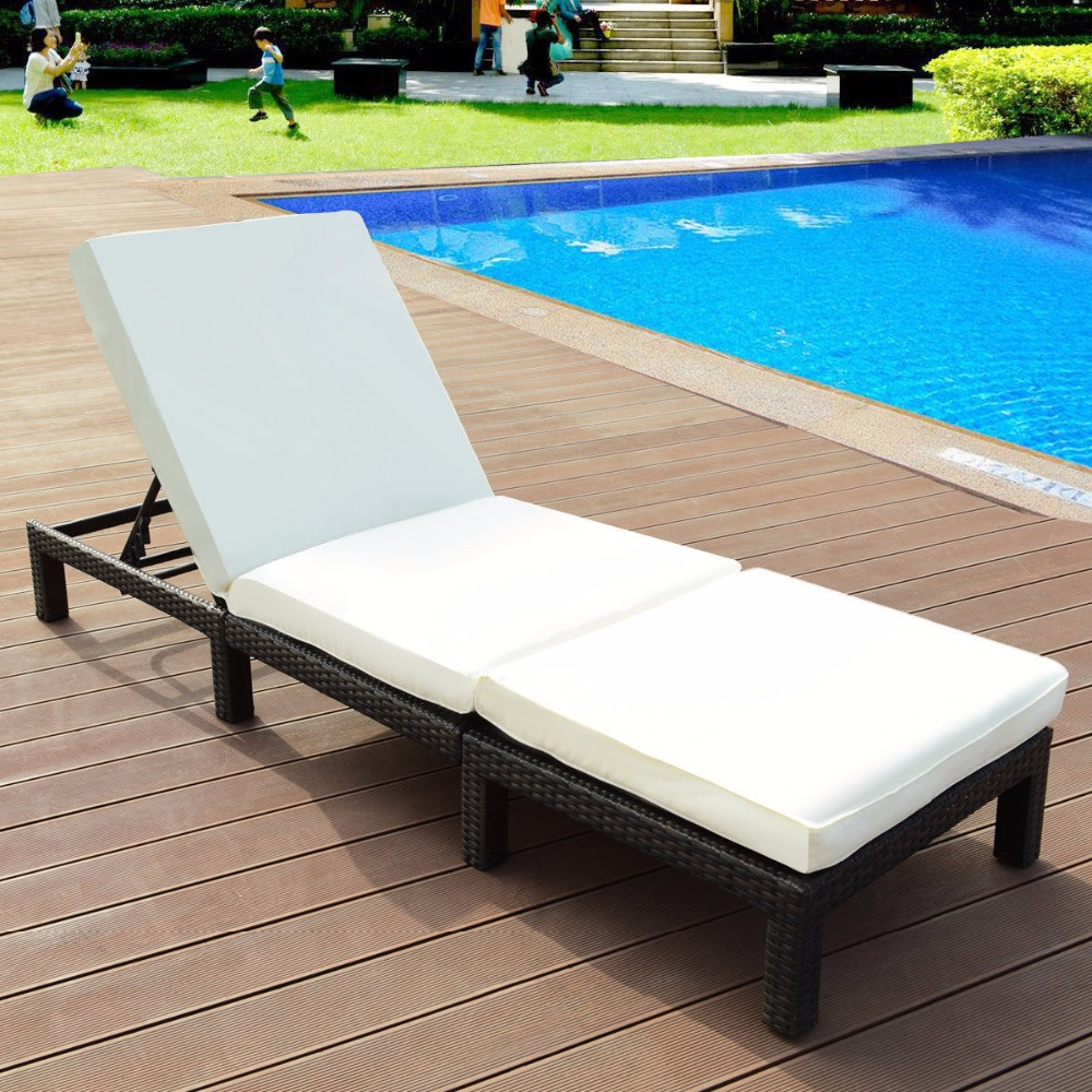 Giantex Adjustable Wicker Chaise Lounge Poolside Couch