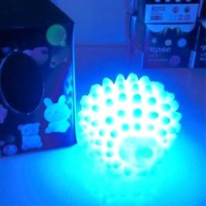 Image 5 - LED לילה אור ביתי קישוט מנורת שולחן מנורות שינוי צבע חג מולד הווה תינוק אור בית המיטה LED קיפוד