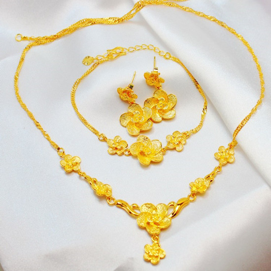 24K Gold Plated Luxurious Three piece Gorgeous Exquisite