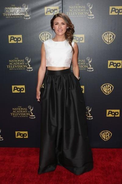 b186cec81caa94 Elizabeth Hendrickson White Top Black Skirt Two Piece Prom Dress Daytime  Emmy Awards Red Carpet Long Celebrity Dresses