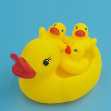 4 Pcs/set New born baby bath toys swim duck float squeeze sound baby wash animal for Children classic toys
