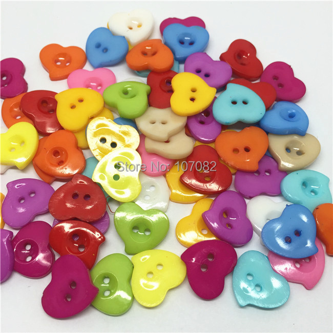 1000pcs/lot 13*15mm Plastic Heart Buttons Crafts Baby Cartoon Sewing Button for Scrapbooking