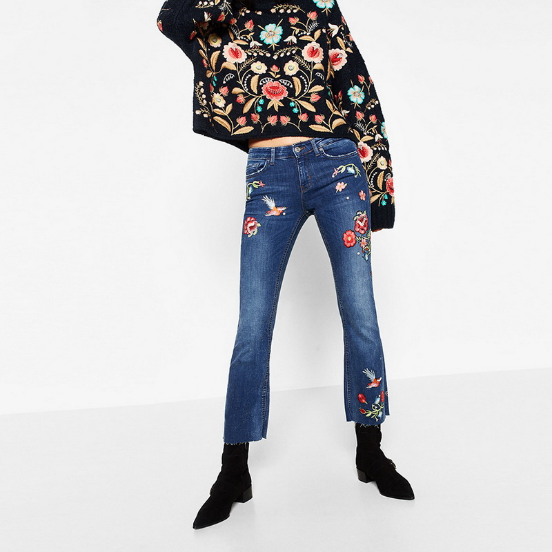 ФОТО New 2017 Spring Fashion Womens Cotton Flower Embroidered Jeans Female Blue Washed Bleached Ankle Length Denim Pants For Woman