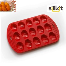 free shipping high quality 100% silicone 15  shell shaped bakeware madeleines cake mold biscuits