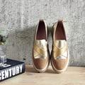 Обувь Девушку Повседневная Мода 2017 Весной Новый Комфорт Поскользнуться На Круглый Носок Золото Серебро Натуральная Кожа Мокасины Женские Мокасины Обувь