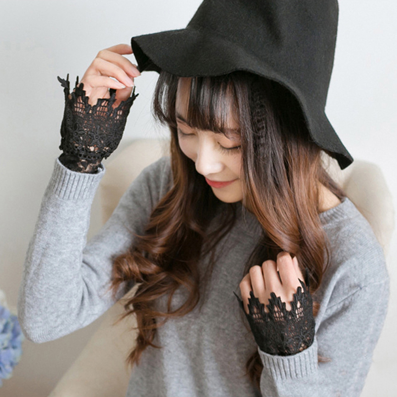 Spring Winter Korean New Women Arm Warmers Fashion Elegant Lace Arm Warmers Hollow Hook Accessories Outdoor Apparel Arm Warmers