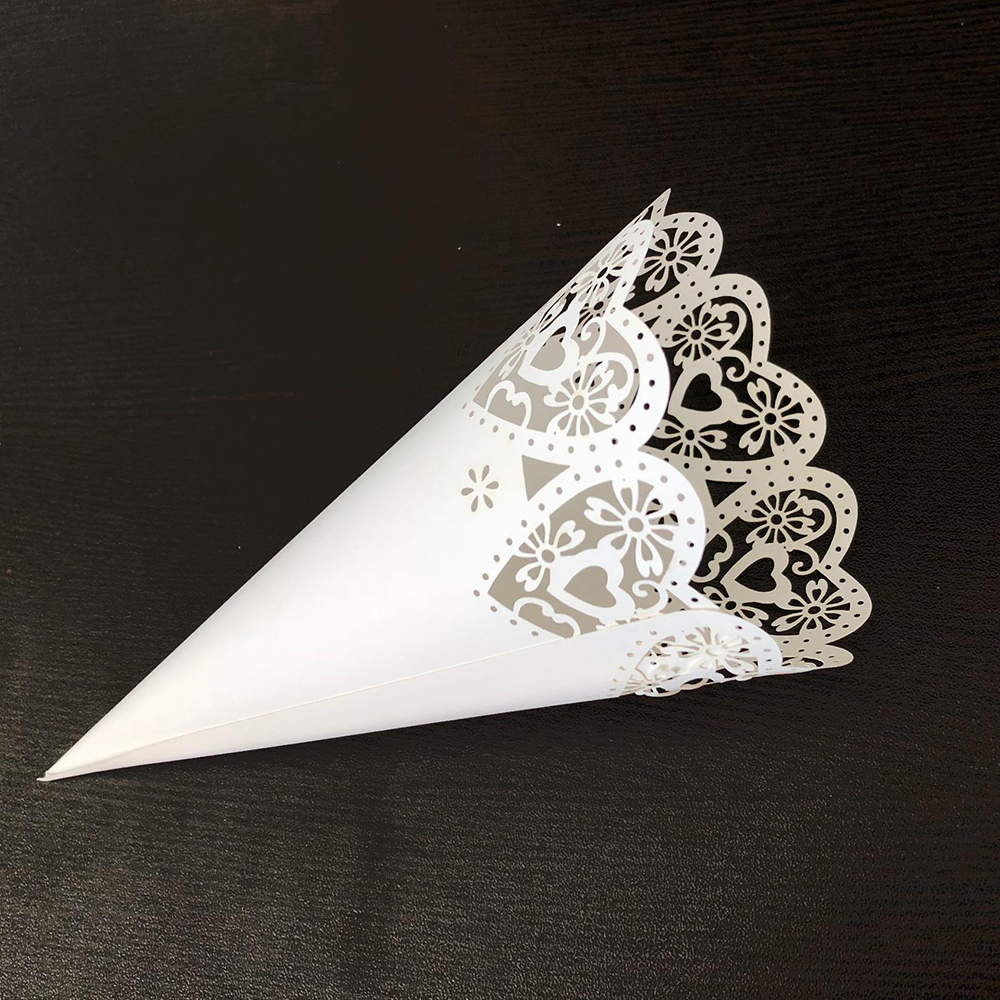 Image 4 - 50pcs Wedding Party Confetti Cones Petal Candy Placing Wedding Favors Stitch Heart,Flower Border Paper Cones Gift Packing Paper-in Gift Bags & Wrapping Supplies from Home & Garden