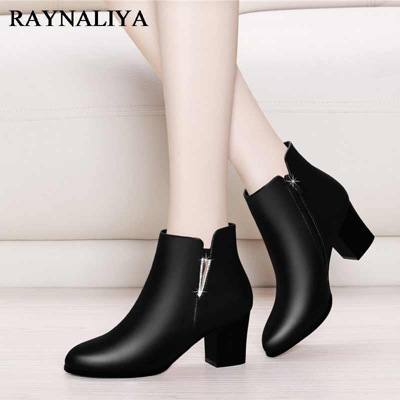Women's Chelsea Boots Black Ankle Boots For Woman Thick High Heel Round Toe Winter Genuine Leather Shoes YG-A0026 donna in genuine leather women boots shoes classic round toe thick heel ankle boots black calf leather ladies boots