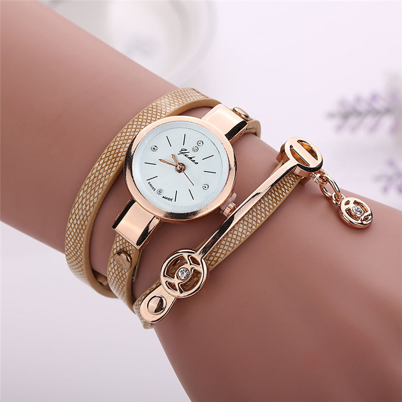 New Fashion Women Watches Rhinestone Metal Pendant Girls Bracelet Watch Leather Ladies Quartz Wrist Watch Gift Clock Kol Saati#W