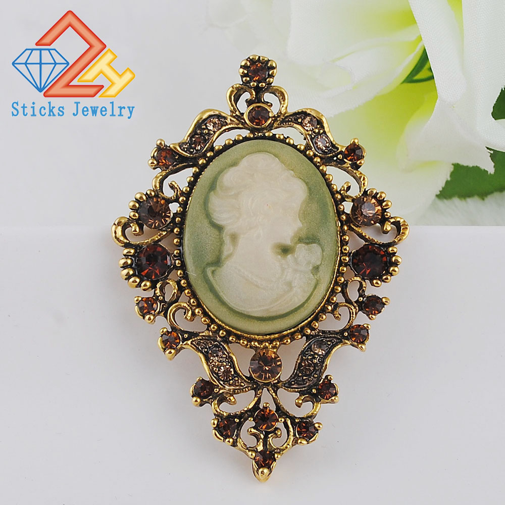 Me pakicë! Clear Auste Crystal Rhinestone Vintage Style Fashion Victorian Style Cameo Brooch Lady Scarf Pin Brush Shitjet e nxehta