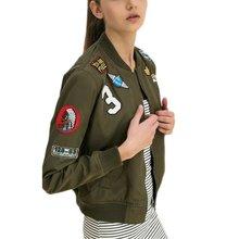 Новый Для женщин Пальто и пуховики В армейском стиле; зеленый цвет куртка-бомбер Куртки женские пальто летный Костюм Повседневные принты куртка вышитые Пластыри куртка Пальто и пуховики LM93