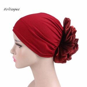 Image 1 - Helisopus yeni kadın büyük çiçek türban elastik bez saç bantları şapka kemo bere bayan müslüman eşarp saç aksesuarları