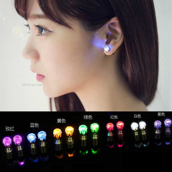 100pcs LED Light Ear Studs Toys Party Shinning LED Earrings Studs Toy for Women Fashion Accessories Wedding Birthday Gifts