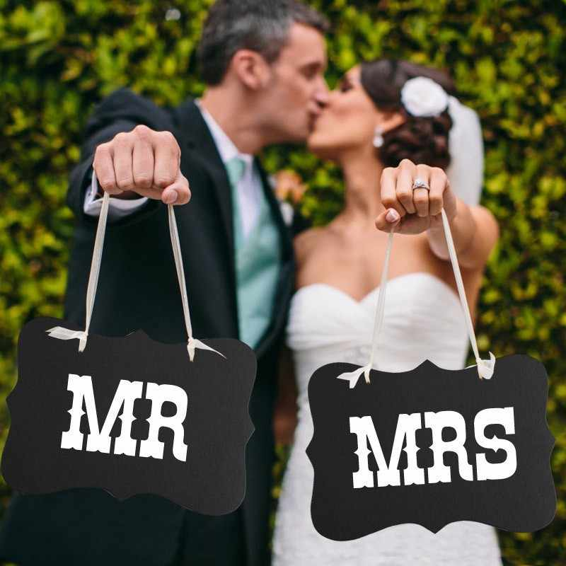 New DIY Funny Wedding Decor Props Black Mr Mrs Paper Board+Ribbon Sign Letter Garland Banner Photo Booth Decoration Party Favor