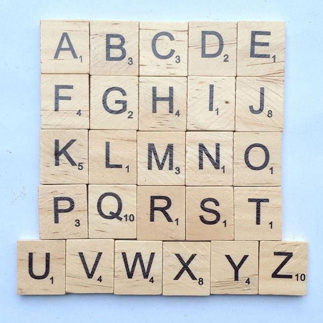 100 Stücke Holz Brief Alphabet Scrabblefliesen Spielzeug Schwarz