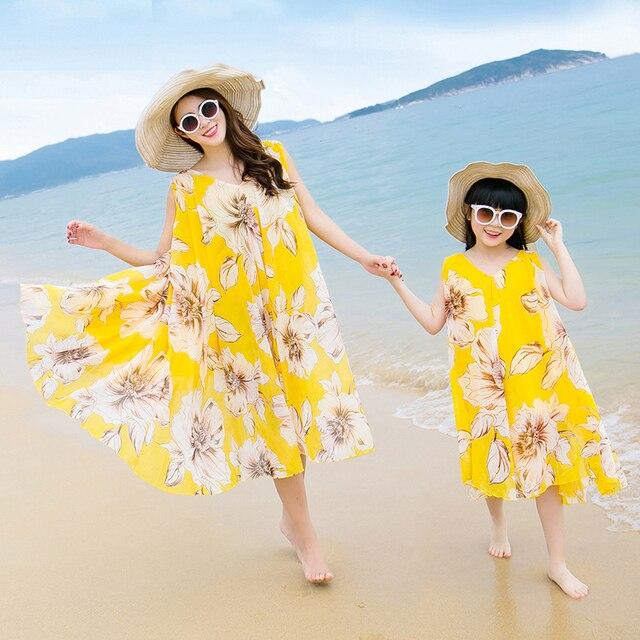 Семья шифон одно - кусок пляж платья платья на лето 2016 мать дочь платья