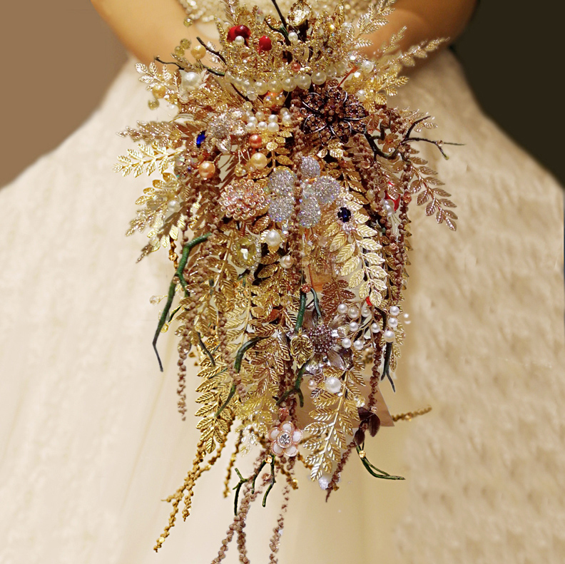 Luxurious Crystal Rhinestones Wedding Bouquet Gothic Style Gold Leaf Red Sapphire Pearl Branch Bride Holding Flowers