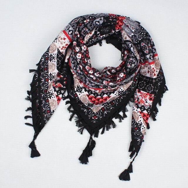 ea3af0dac21d 2018 hot sale new fashion woman Scarf square scarves tassel Printed Women  Wraps Winter autumn ladies