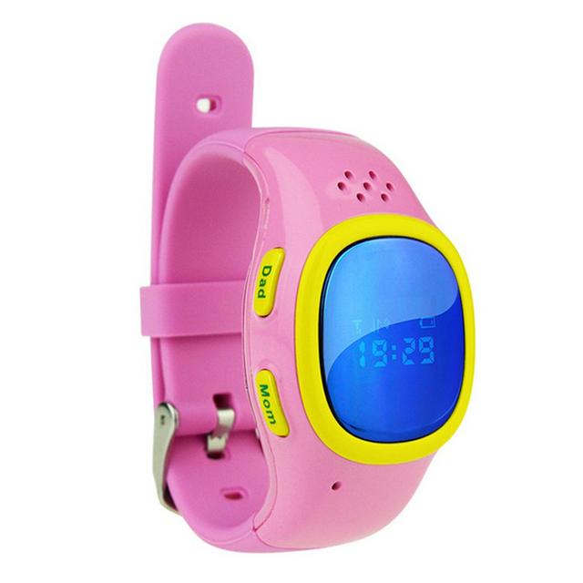 Telefone celular criança inteligente relógios 520 relógios das crianças Posição GPS smartwatch À Prova D' Água WI-FI com SIM pulseiras Multifunções