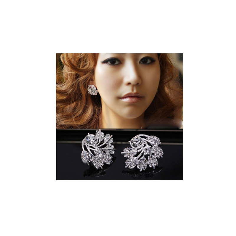 GRACE JUN New Simulated Pearl Rinestone Star Crown Butterfly Bowknot Clip on Earrings No Pierced for Girl's Charm Ear Clip Gift