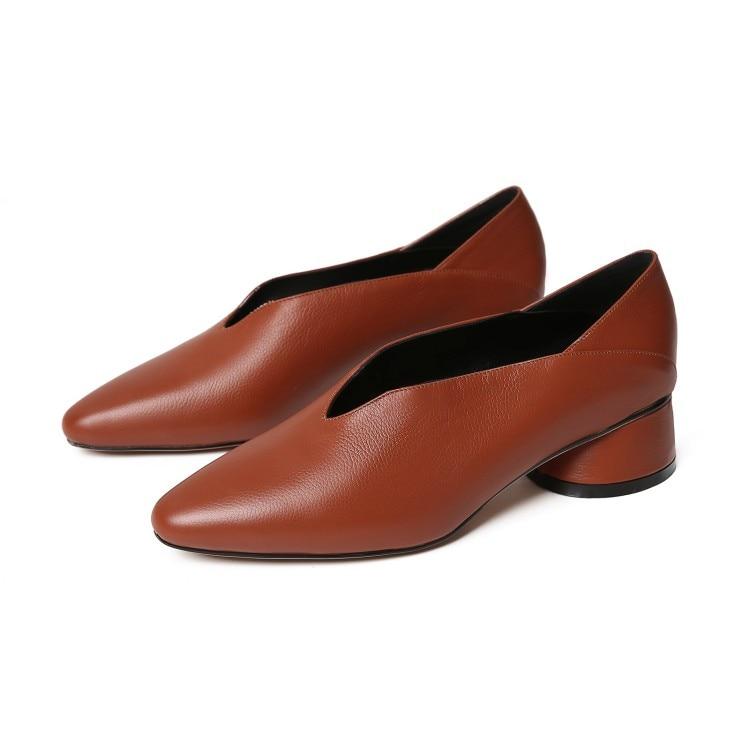 Ayakk.'ten Kadın Pompaları'de MLJUESE 2019 kadın pompaları sonbahar bahar Yumuşak Inek deri üzerinde kayma siyah renk Roma tarzı kare ayak düşük topuklu ayakkabılar boyutu 33 40'da  Grup 2