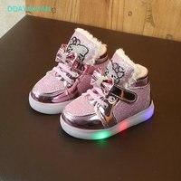 Enfants Lumineux Chaussures 2018 Hiver Nouvelle Garçons Filles Sport Chaussures  Bébé Au Chaud Feux Clignotants Espadrilles 15cf318effe8