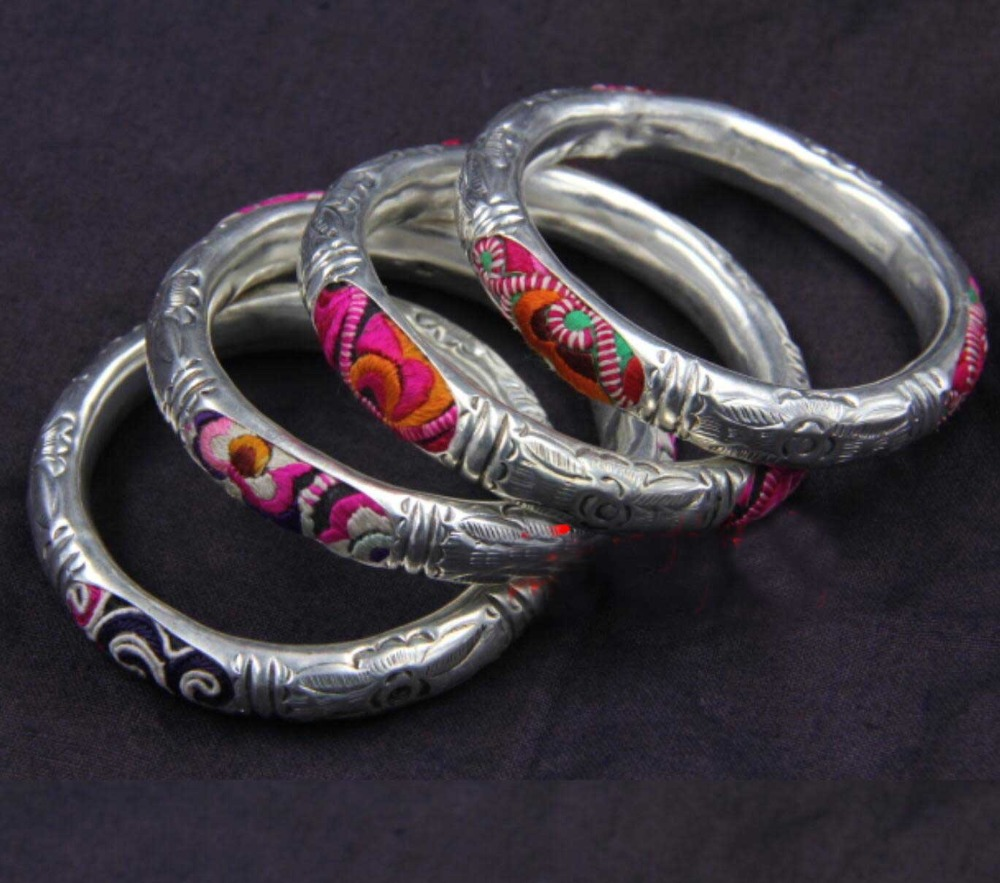 hot sell new - Wholesale -hot >> Handcrafted Superb Jewelry flower carved phoenix tibetan miao silver one and a pair bracelet