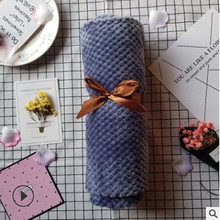Neonatal Pure Color Flannel Blanket Two-sided Fluffy Baby Crib Accessories A Swaddling Bath 70 * 100 Cm