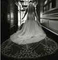 Luxo 3 m cristais pedrinhas frisada Lace apliques Longa tulle Do Marfim/Branco Véus De Noiva Catedral véus de Noiva com Pente