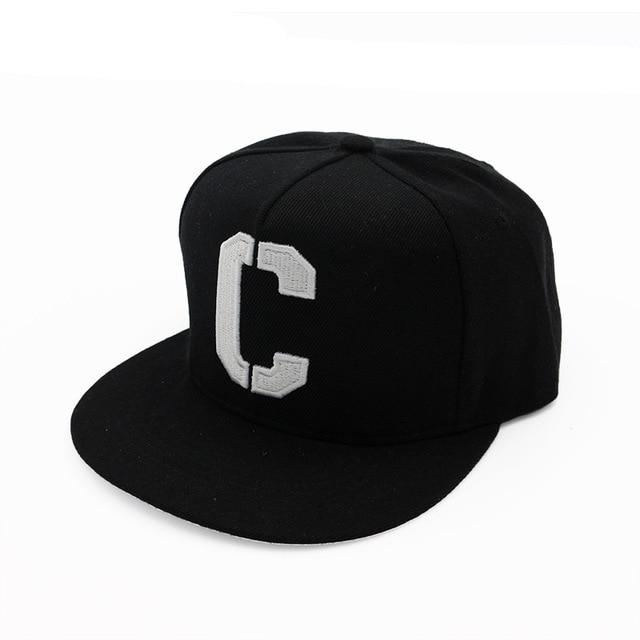 Ricamo C Snapbacks Cappelli Lettera Cappellini da Baseball Nero Bianco Hip  Hop Bordo Dritto di Colore 14f28229b3e2