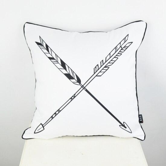 45 * 45 cm Bytový textil Dekorativní černá Bílá Šipka z lásky Házet Obal na polštář Polštář na svatební almofadas para