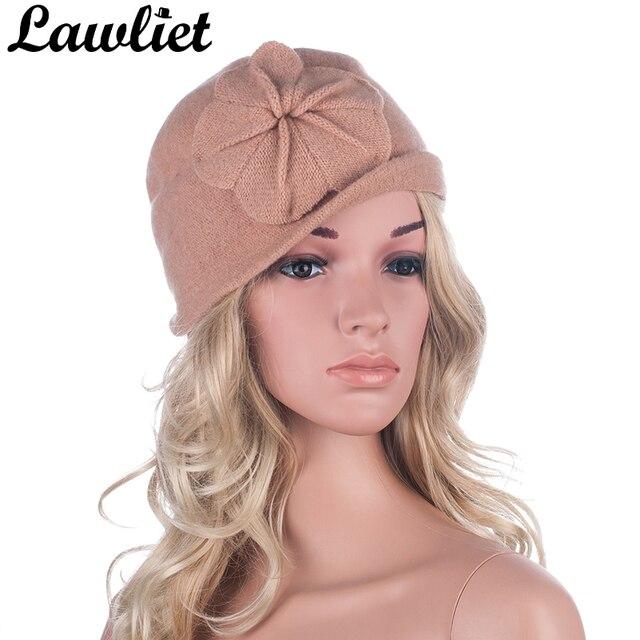 b0016d275d43 hiver femmes chapeaux bonnets cloche dames bonnet de laine seau floral  chaud chapeaux pour femmes bonnet with mini bonnet en laine