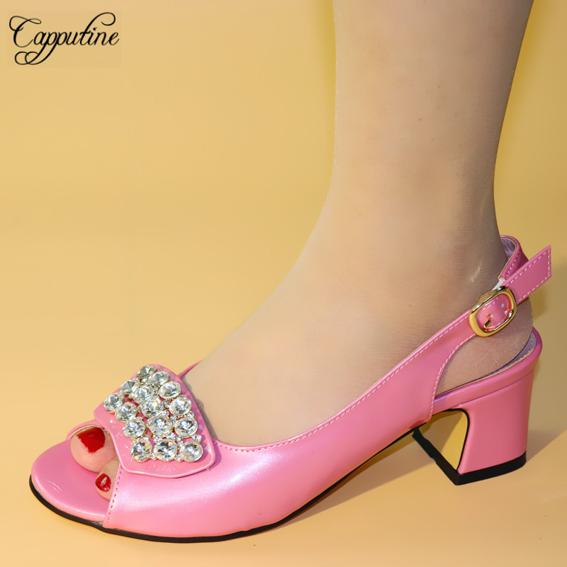 Capputine haute qualité mode mariage femme chaussures italiennes strass chaussures à talons hauts pour robe de soirée 4 couleurs