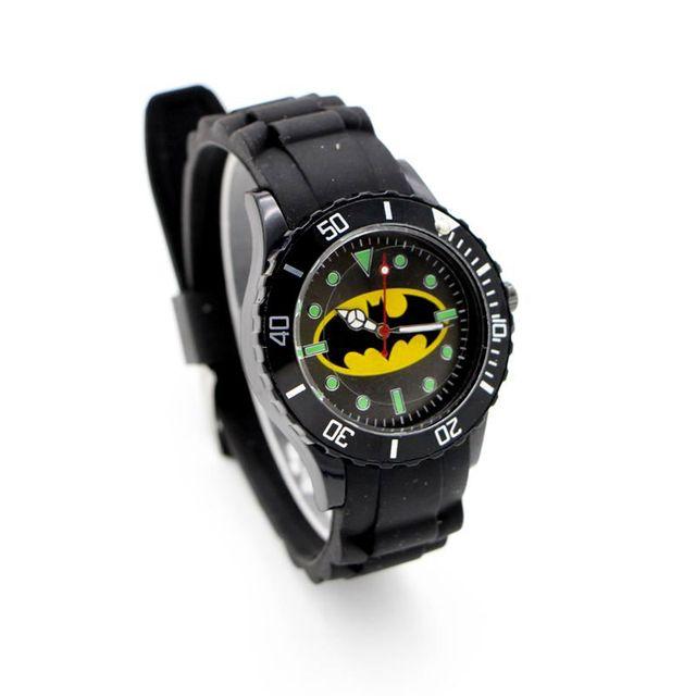 b18b08167 Moda esportiva Relógio de Quartzo Dos Desenhos Animados Batman Relógio  Silicone Crianças relógio de presente Relógio