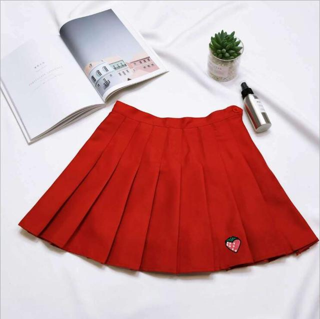 2018 autumn and winter new women's pleated skirt strawberry embroidery high waist A word skirt 6