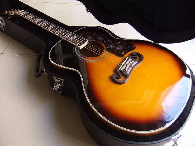 цена на Free Hardcase sj200 Acoustic Guitar Vintage Sunburst with Fishman Pickups Acoustic Electric Guitar free shipping 101126